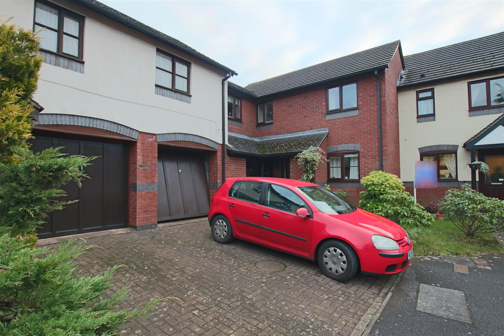 1 Bedroom Property for sale in Weycroft Close, Barton Grange, Exeter